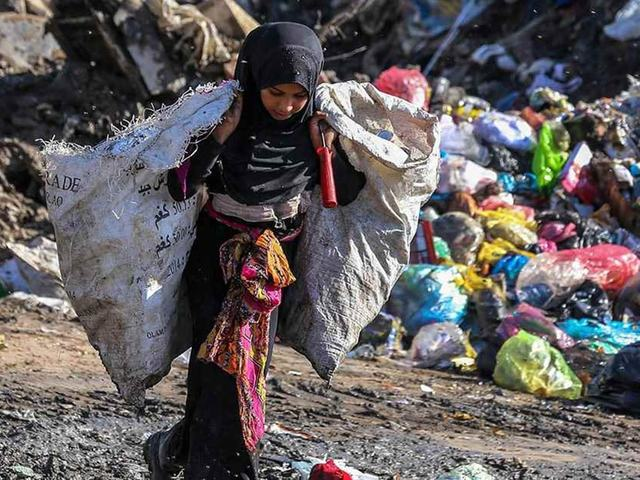 Pakistan's waste problem is a recycling industry waiting to be found - Pakistan - DAWN.COM