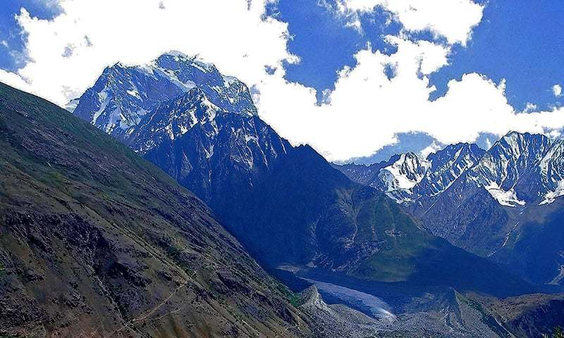 2 British mountaineers rescued, 3 left stranded on Koyo Zom peak at Chitral-GB border