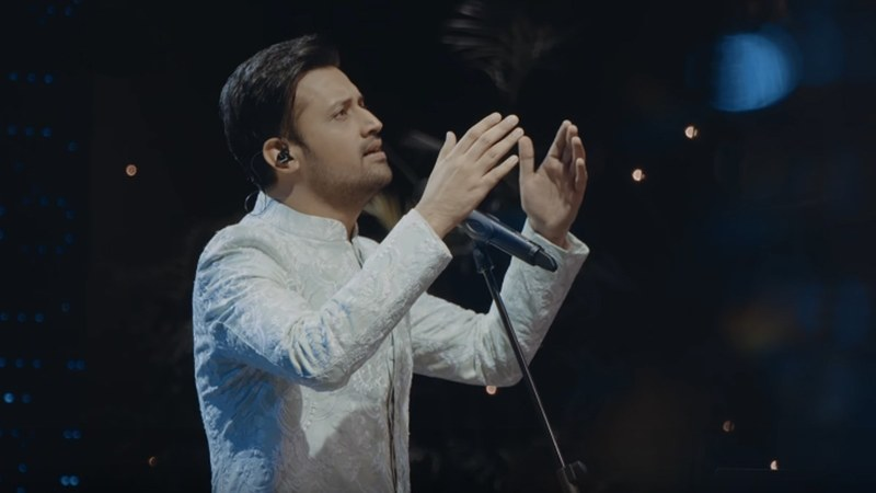 Seriously don't know what's prettier, Atif's voice or his sherwani!