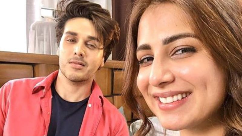 Ushna Shah is pairing up with Ahsan Khan for 7th Sky's production, Bandhay Aik Dor Say