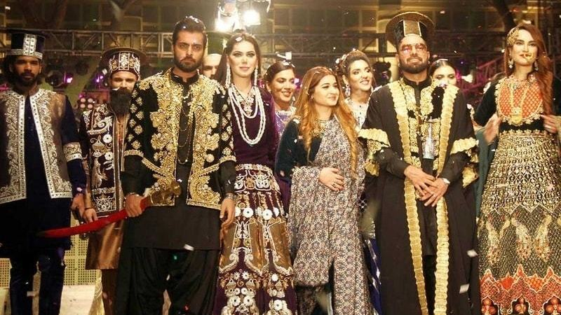 Celebs joined Sidra Ehsan Talpur's solo show that showcased the art and culture of the Talpur Emperors.
