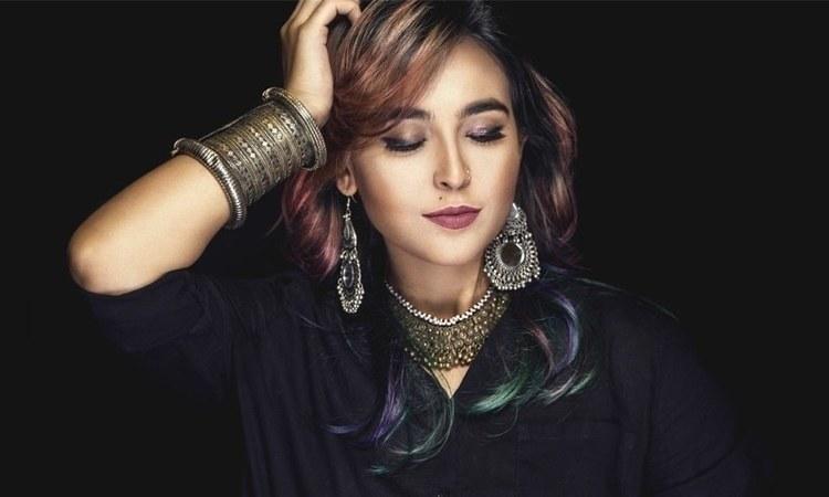 Photo: Kamran Baig. Hair & Make-up: Mizka