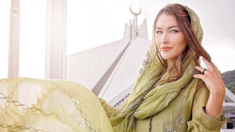 The Canadian solo traveller also revealed that she had rescued a kitten and named it Skardu.