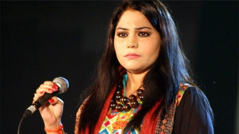Marvi got married to Hamid Ali in 2009.
