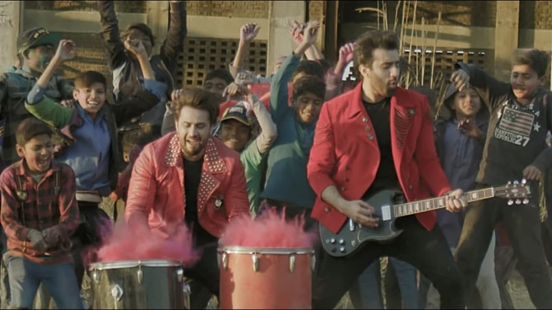 Song Rang Jeet Ka Laal Hai is out.