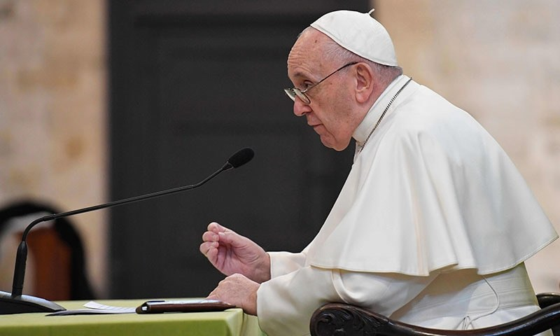 Pope gives thumbs-down to Trump's Mideast peace plan