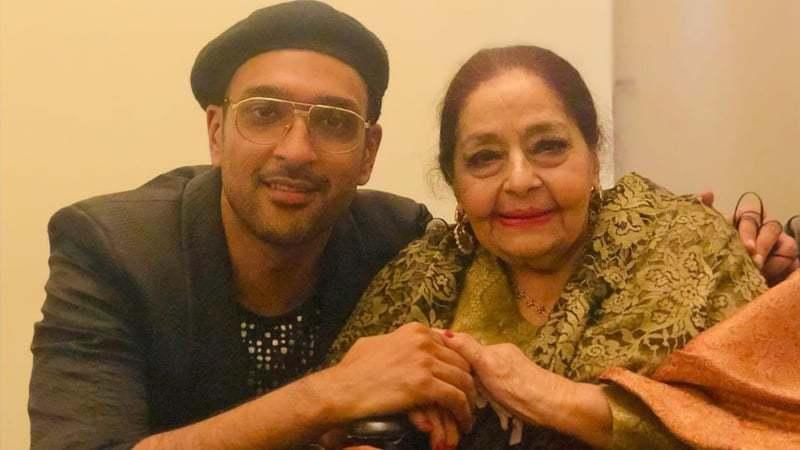 She praised her student, Ali Sethi, for his singing