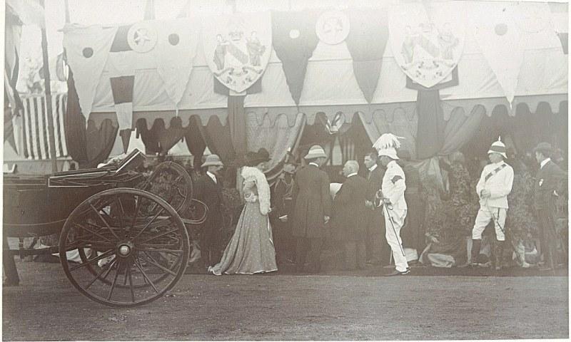 27 اکتوبر 1990ء کو لارڈ کرزن کی کراچی سول ہسپتال آمد کا منظر—تصویر بشکریہ برٹش لائبریری