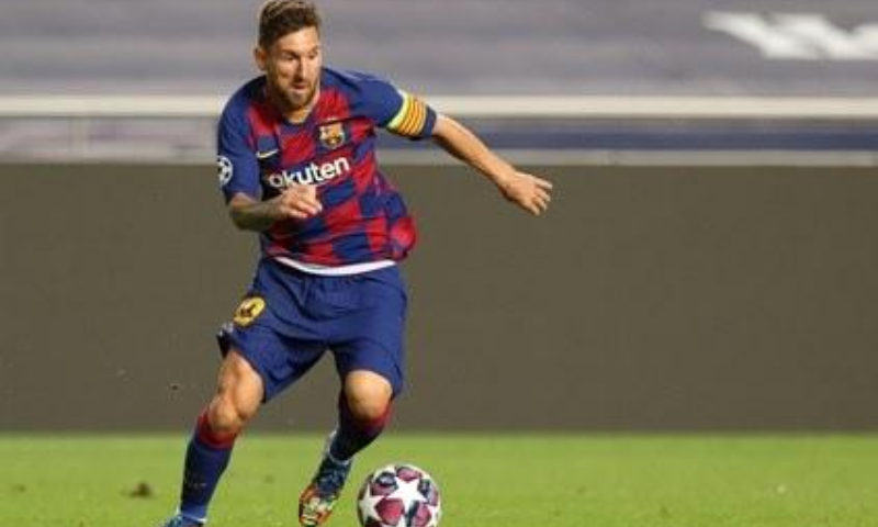Messi confirms staying at Barcelona but rages at president – World
