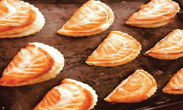 How to make apple turnovers with buttery puff pastry for the ultimate winter tea-time indulgence
