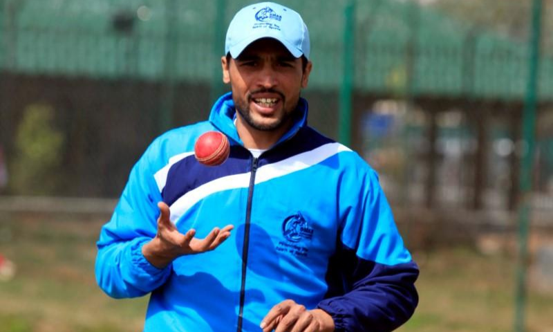 Aamir insists he cannot play under the current team management