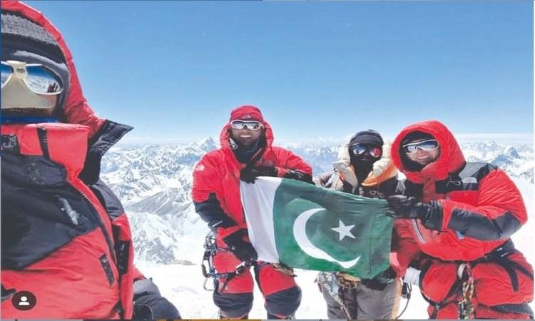 Naila Kiani with Ali Raza Sadpara and Sirbaz Khan at the summit of G2