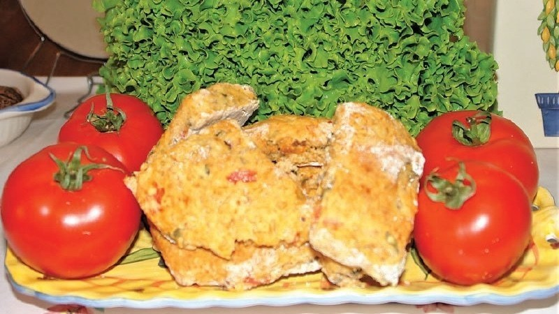 Herbed tomato scones