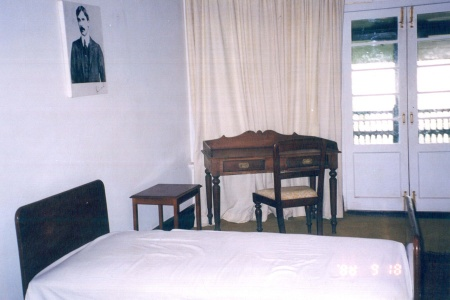 The interior of Jinnah's bedroom.