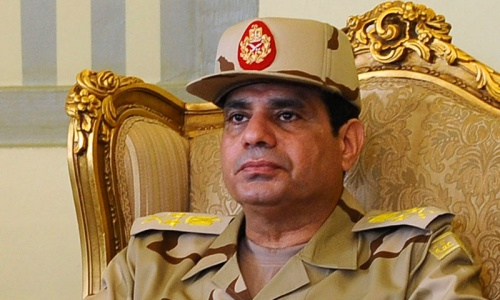 Egypt army chief turns on the president who promoted him