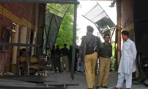 Pakistani Taliban free over 175 inmates in DI Khan jailbreak