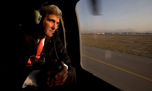 John Kerry arrives in Kabul on unannounced visit