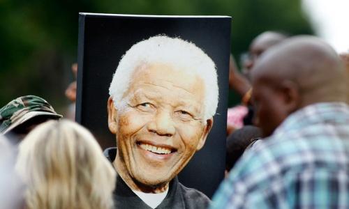 World mourns South Africa peace icon Mandela