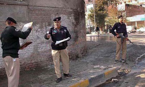 Policeman killed, four injured in Peshawar firing