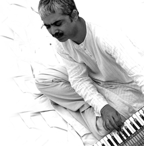 Cover art from Musadiq's album, Aajzi.