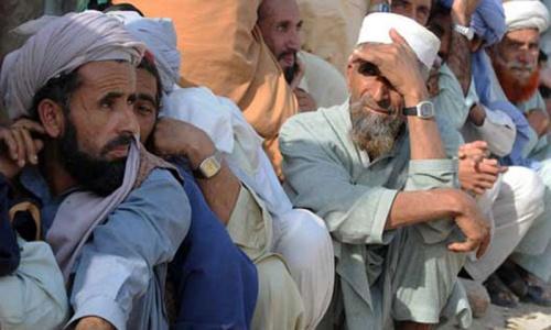 Thousands flee North Waziristan after airstrikes