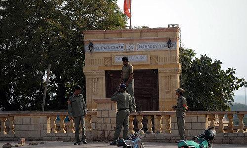Hindus urge authorities to save Karachi temple