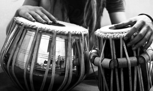 Where are the women tabla players?