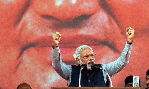 Modi fights back tears during BJP meeting