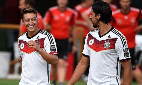 Mesut Ozil denies giving his World Cup bonus to Gaza children
