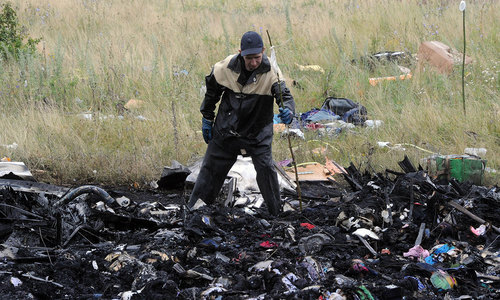 MH17: Investigators enter rebel-held eastern Ukraine