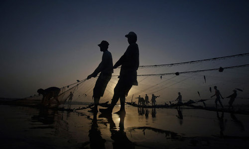 Fishermen suffer during ban, get no relief from FCS