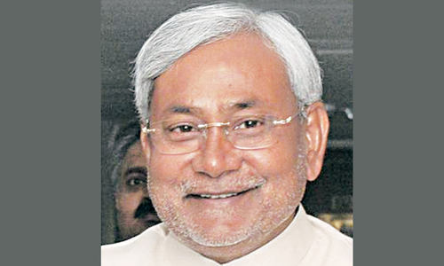 Lalu, Nitish join hands against Modi threat in Bihar