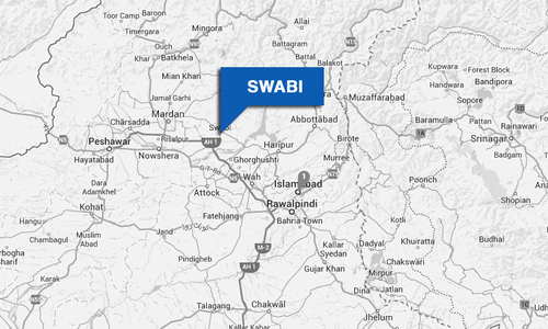 Swabi traders block road against imposition of fine