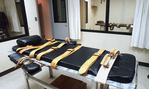 Lethal injections face scrutiny after two-hour US execution