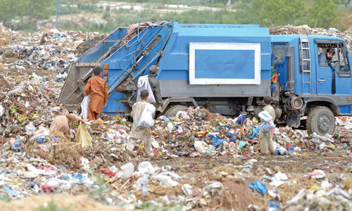 Pindi citizens suffer as CDA dumps garbage along IJP Road