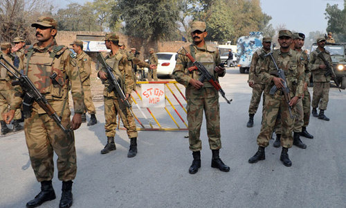 Political parties oppose govt move to deploy army in Islamabad