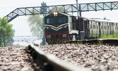 Quetta: Passenger train narrowly escaped bomb explosion