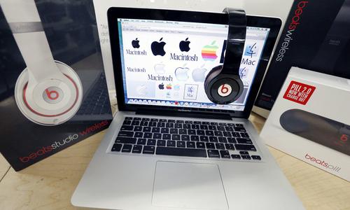 Apple to lay off about 200 people at Beats - Bloomberg