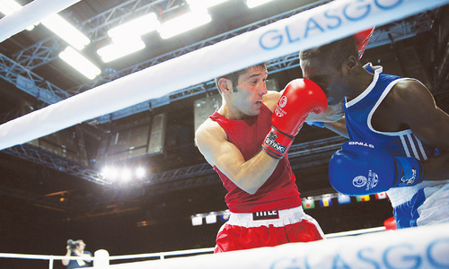 Pakistan's Waseem storms into Games boxing final