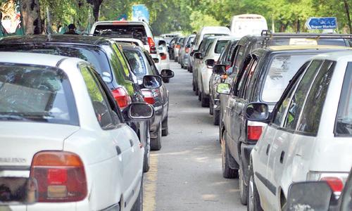 Twin cities witness fuel frenzy