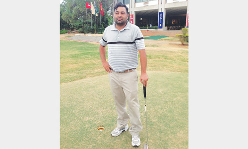 Prolific Shabbir emerges day one leader at Sindh Open golf