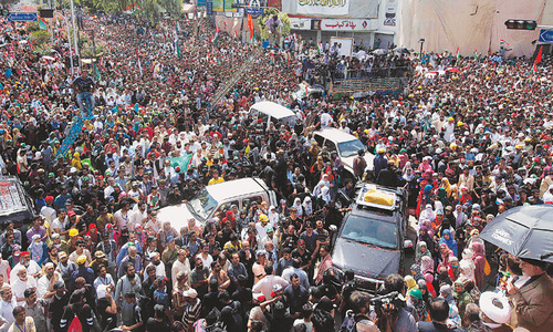 Imran, Qadri begin sit-ins for PM's ouster