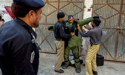 Terror bid foiled as 10kg bomb defused in Peshawar's Chamkani