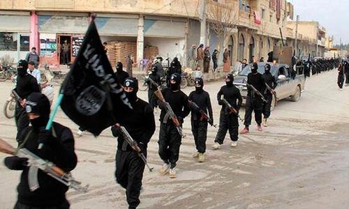 Militants behead US journalist