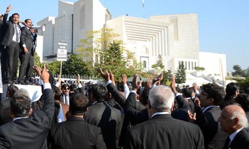 Lawyers warn against deviation from constitution