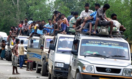 Thousands flee deadly violence in Assam