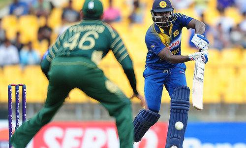 Mathews, Jayawardene lift Sri Lanka to 275 against Pakistan