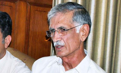 Khattak stops PTI workers from responding to PML-N rallies