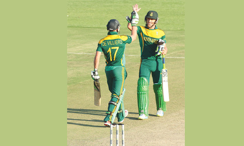 De Villiers, Du Plessis double act seals brilliant win for S. Africa