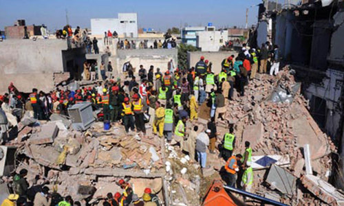 Eleven killed, 18 injured after building collapses in Hyderabad‏
